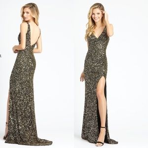 MAC DUGGAL Sequin Slit Evening Gown Black Gold